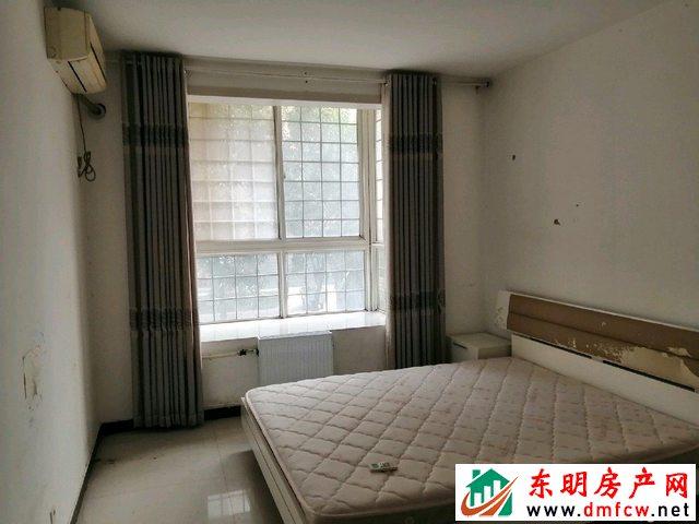水岸鑫城 3室2厅 134平米 简单装修 59万元