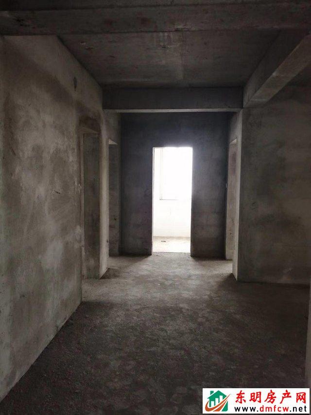 大都会广场 3室2厅 148.19平米 简单装修 47万元