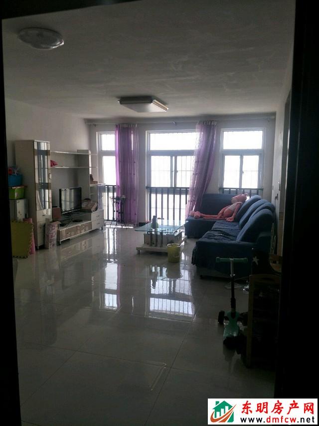 金座小区 3室2厅 130平米 精装修 52万元