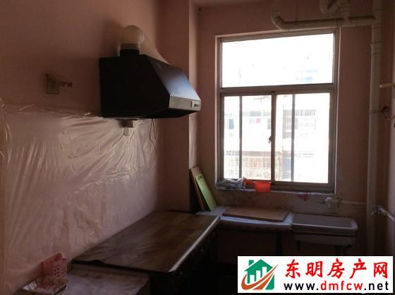 园丁小区 3室2厅 125平米 简单装修 38万元