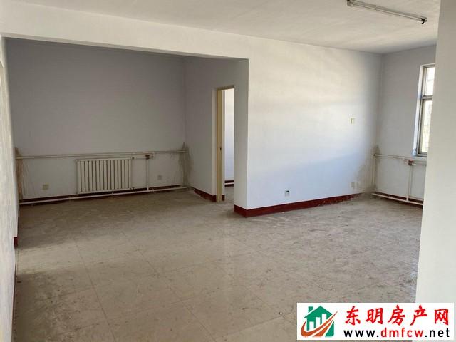 园丁小区 3室2厅 120平米 简单装修 29.5万元
