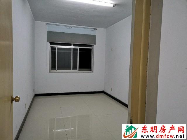 园丁小区 3室1厅 125平米 简单装修 40万元