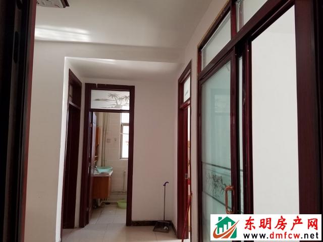 东欣家园 2室2厅 127平米 简单装修 39万元