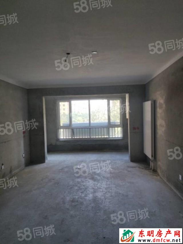 龙脉御园 3室2厅 150平米 毛坯 81万元