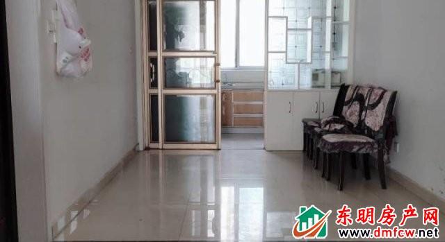 水岸鑫城 4室2厅 164平米 精装修 79万元