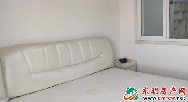 金座小区 2室2厅 100平米 精装修 1333元/月