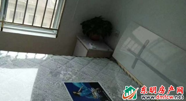 天正中央大街 3室2厅 120平米 精装修 1400元/月