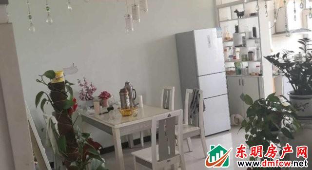 明胜小区 3室2厅 117平米 简单装修 37万元