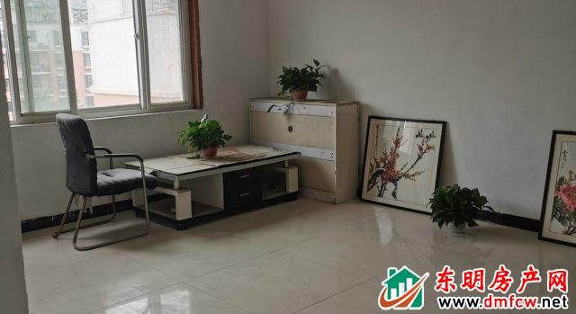 万福名苑 3室2厅 137平米 简单装修 47.5万元