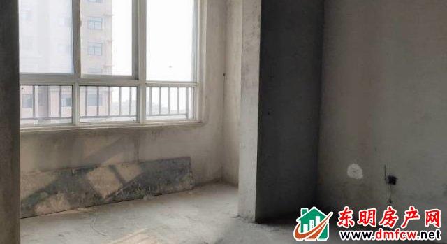 上海城 3室2厅 143平米 毛坯 48万元