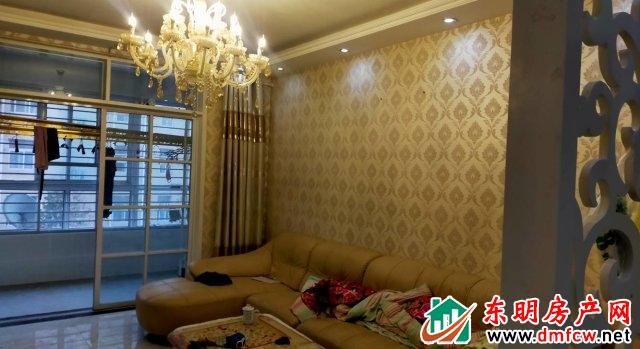水岸鑫城 3室2厅 118平米 简单装修 64万元