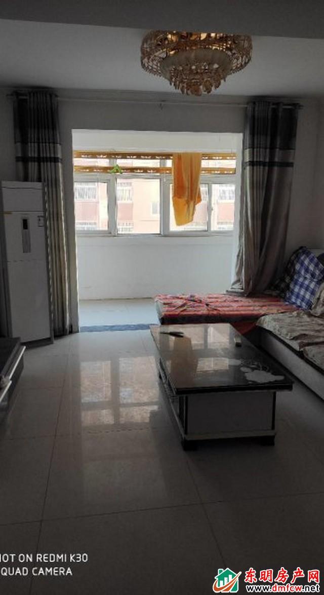 曙光城 3室2厅 130平米 简单装修 1167元/月