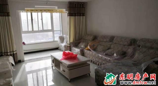 都市怡景 3室2厅 130平米 精装修 1600元/月