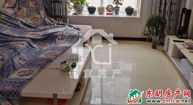 水岸鑫城 3室2厅 132平米 简单装修 65万元