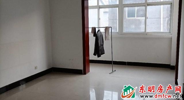 一棉厂小区 3室2厅 93平米 简单装修 41万元