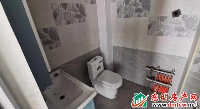 天正中央大街 3室2厅 120平米 精装修 1416元/月