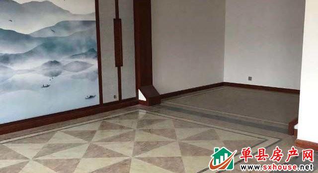 万福名苑 5室3厅 305平米 精装修 125万元