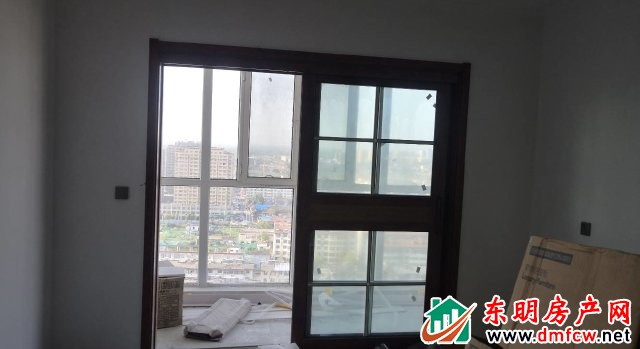 天正中央大街 3室2厅 137平米 简单装修 59万元
